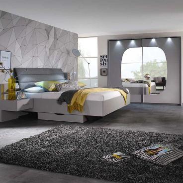 Rauch Packs Atlanta Schlafzimmer bestehend aus Schwebetürenschrank 2-türig  und Bettanlage Liegefläche ca. 180x200 cm mit Nachttischen in seidengrau