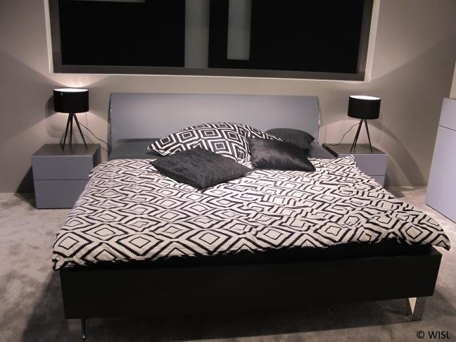 Doppelbett Und Boxspringbett In Schwarz Und Weiß Für Das Schlafzimmer