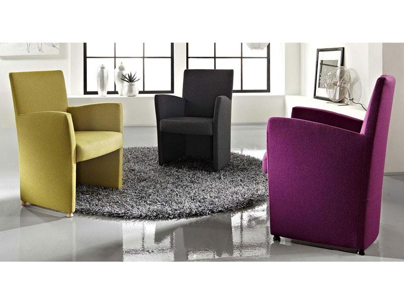 Mit Schaumstoffmöbeln überzeugen Bali Möbel Durch Den Idealen Liege  Und  Sitzkomfort. Durch Eine Formsprache, Die Sich An Klassischen Möbelschnitten  Und ...